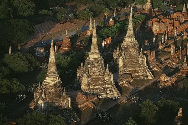 Царские гробницы в Аюттхае. Таиланд