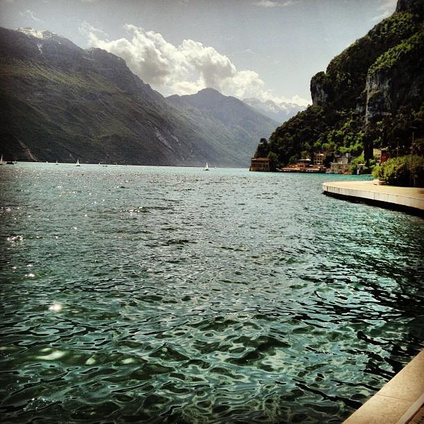 Озеро в горах Италии
