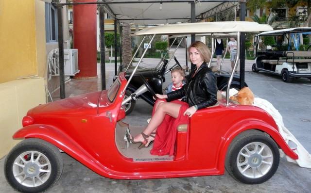 Вероника Столбовая и ее дочурка Валерия. Отель LILLYLAND AQUA PARK 4* Хургада, Египет, февраль 2014